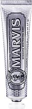 Düfte, Parfümerie und Kosmetik Aufhellende Zahnpasta für Raucher - Marvis Smokers Whitening Mint