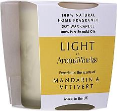 Düfte, Parfümerie und Kosmetik Soja-Duftkerze im Glas Mandarine & Vetiver - AromaWorks Light Range Mandarin & Vetivert Candle