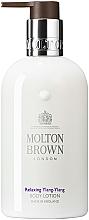 Düfte, Parfümerie und Kosmetik Entspannende und feuchtigkeitsspendende Körperlotion mit Ylang-Ylang - Molton Brown Relaxing Ylang-Ylang