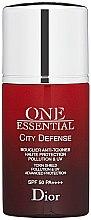 Düfte, Parfümerie und Kosmetik Gesichtsserum - Christian Dior One Essential City Defense Toxin Shield Pollution UV SPF50
