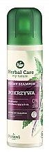 Düfte, Parfümerie und Kosmetik Trockenshampoo für fettiges Haar mit Brennnesselextrakt - Farmona Herbal Care Shampoo