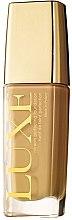 Düfte, Parfümerie und Kosmetik Cremige Foundation - Avon Luxe Foundation SPF 10