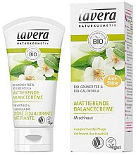 Düfte, Parfümerie und Kosmetik Mattierende und ausgleichende Gesichtscreme mit grünem Tee und Ringelblume - Lavera Matting Cream