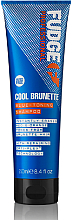 Düfte, Parfümerie und Kosmetik Blaues Shampoo gegen Rot- und Orangetöne für farbbehandeltes brünettes Haar - Fudge Cool Brunette Blue-toning Shampoo Reviews