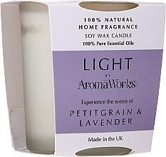 Düfte, Parfümerie und Kosmetik Soja-Duftkerze im Glas Petitgrain und Lavendel - AromaWorks Light Range Petitgrain & Lavender Candle